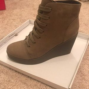 NWT taupe wedged tie up booties